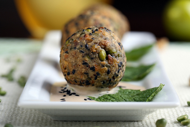 Green Lentil, Pistachio and Walnut Fauxlafel