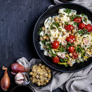 Pasta with Roasted Tomatoes and Chickpeas