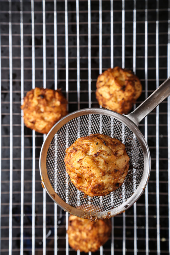Deep-fried vegan crab cakes
